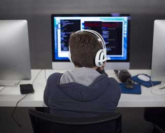 Tự học lập trình web bắt đầu từ đâu? Lời khuyên cho dân ngoại đạo