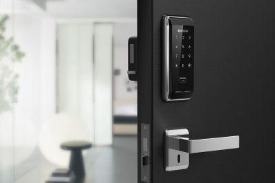 Nên mua khóa cửa điện tử hãng nào? SamSung - Yale - Epic hay Neolock