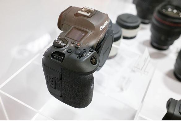 thiet ke canon eos r5 JPG