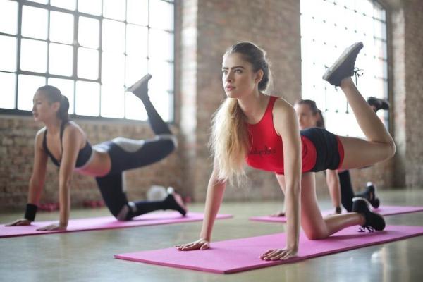 tham tap yoga loai nao tot 1 600x400 jpeg