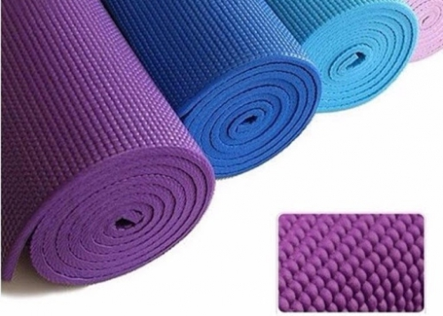 tham tap yoga loai nao tot 2 500x357 jpg