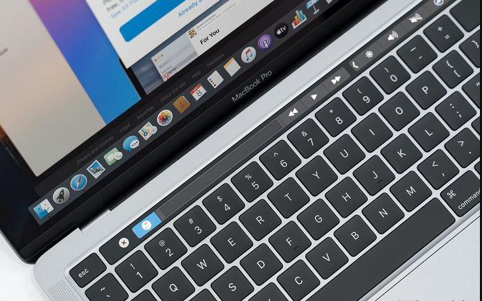 ban phim macbook pro 2020 13 inch JPG