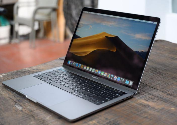 man hinh Macbook Pro Touch Bar 2019 JPG