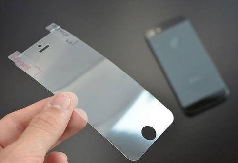 Miếng dán màn hình là gì? Có nên dán màn hình điện thoại?