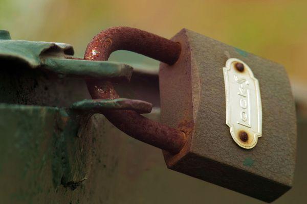 Mẹo khắc phục ổ khóa khi bị rỉ sét