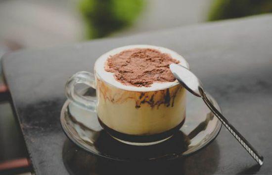 Cách làm cà phê trứng thơm ngon mà không bị tanh