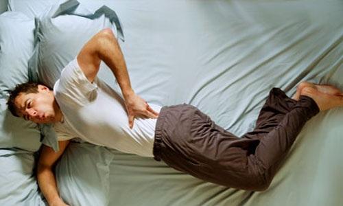 Tại sao nằm nệm cao su lại bị đau lưng?