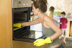 Cách vệ sinh lò nướng nhanh chóng và hiệu quả