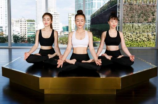 yoga 5 PNG