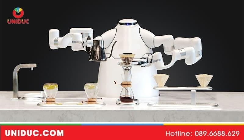 robot nha hang 1 jpg
