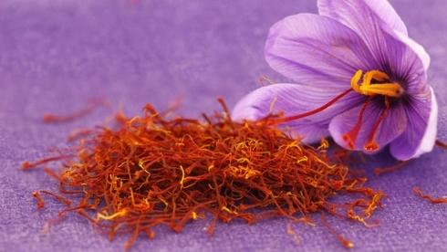 Nhụy hoa nghệ tây là gì? công dụng của nó với sức khỏe và làm đẹp