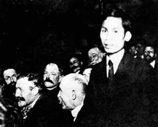 Tiểu sử Nguyễn Ái Quốc: Sự nghiệp sáng tác văn học