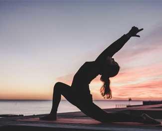 Bóng tâp yoga loại nào tốt nhất hiện nay? Có nên tập Yoga bằng bóng?